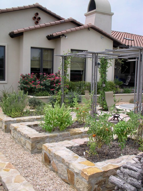 A tuscan garden design idea or two tuscan home 101 - Mediterranean backyard designs ...